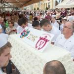 Ingyenes óriástortával nyitott meg a Virág Szegeden